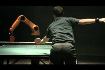 Az ember vagy a gép nyeri a pim-pong csatás?