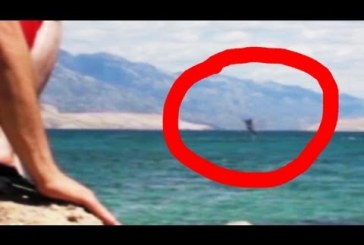 Horvát tengerparton videózás közben láttak egy sellőt