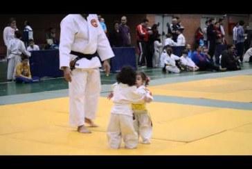 Nagyon komoly küzdelem két ninja tanonc között