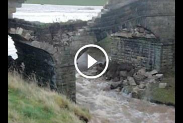 Amikor a víz az úr a 100 éves hidat is elsodorja