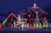 Csodálatos kivilágított ház! Induljanak az ünnepi előkészületek! : )