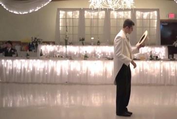 Esküvői tánc a násznép bevonásával! Nézd, milyen profik!