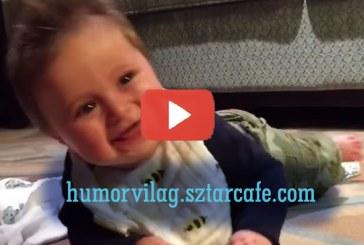 A hét hónapos kisbaba imádni való nevetése mindenkinek mosolyt csal az arcára!