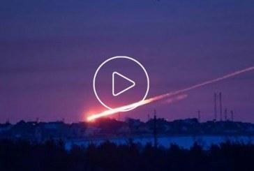 Egy orosz meteorit becsapódása HD minőségű videókon, nagyon látványos