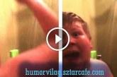 """Ez a srác új szintre emelte a zuhany alatti """"előadást"""" :D"""
