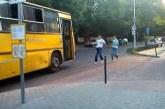 Így szívatták meg a buszsofőrt a százhalombattai buszmegállóban. Mekkora bunkók…