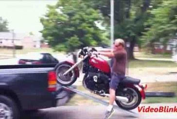 Nagyon jó példák arra hogyan ne szállítsd a motorodat