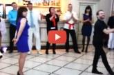 A legviccesebb tánc amit valaha láttál – Ezt látnod kell