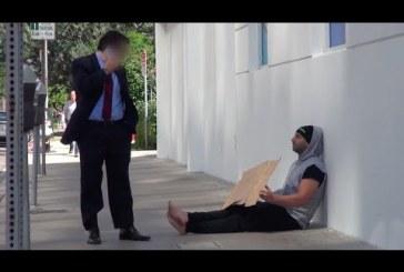 Mi történik ha homeless ad neked pénzt? – nagyon jó kísérlet