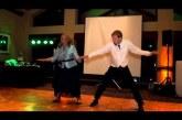 A legszuperebb anya-fia esküvői tánc! Tuti videó ,nézd végig, imádni fogod! :D