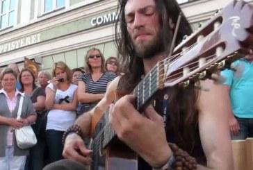 Megbabonázta a várost a gitárszóló