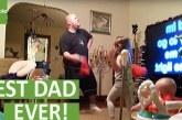 Rejtett kamera vette fel a legaranyosabb apa- gyerekek pillanatot! Imádjuk, ahogy együtt szórakoznak!