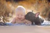 Eszméletlen cuki fotók egy kisbabáról és kis bulldog testvéréről – Képek