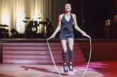 Az egész világ a magyar ugróköteles lány lábai előtt hever! – Videó