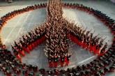 Látnod kell ezt az elképesztő táncot, amit 1500 elítélt mutatott be Michael Jackson számára! – Videó
