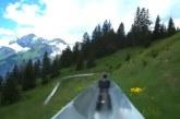 A világ legszebb panorámájú csúszdája a gyönyörű svájci Alpokban