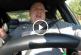 A hasadat fogod a nevetéstől, ha meglátod az internet új sztárját, az éneklő rendőrt! – Videó