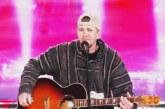 Előszőr kinevették, de mikor énekelni kezdett, mindenki libabőrös lett! – Videó