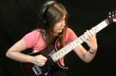 Még csak 13 éves, de úgy játszik a gitáron, hogy leesik az állad! – Ezt hallgasd meg!