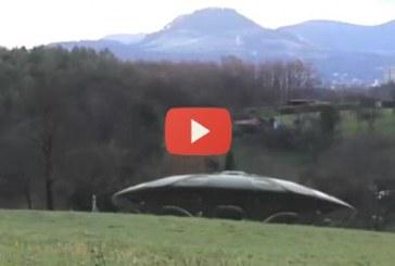 A saját szemeddel kell látnod, hogyan landol egy csészalj Németországban! – Videó