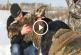 Könnyfakasztó, ahogy ezek az emberek segítenek a bajbajutott állatokon! – Videó