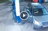 Szőke nő a benzinkútnál – Ha nem látom, nem hiszem el, hogy ilyen létezik!