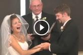 Nevetőgörcsbe fulladt az esküvő – Ez nagyon vicces